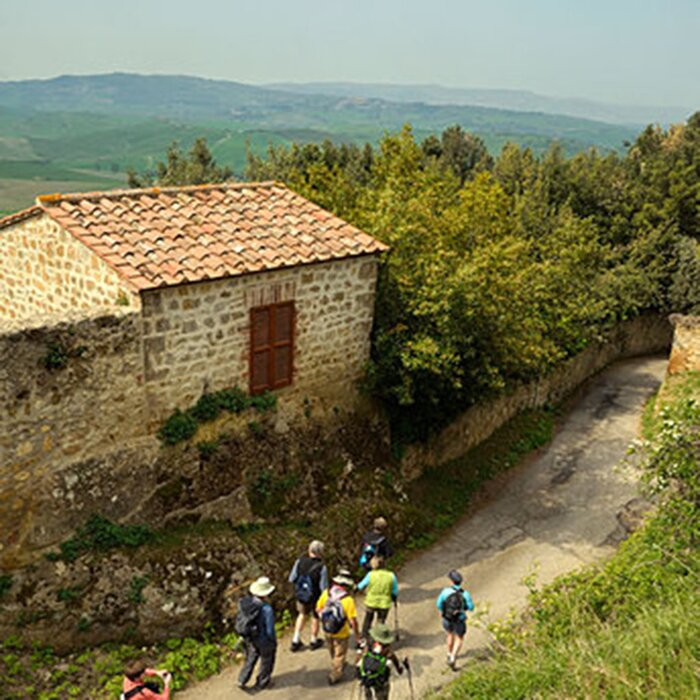 Best Day Hikes In Tuscany