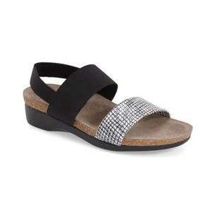 8 stylish comfortable sandals for walking all day