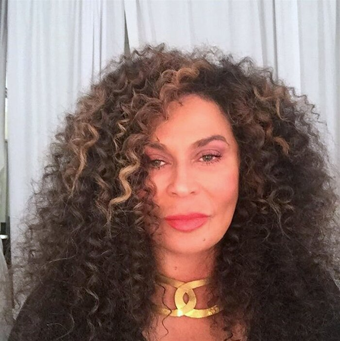 Beyonce\'s Mom, Tina Lawson, Reveals How to Get Her Curly Hairstyle ...