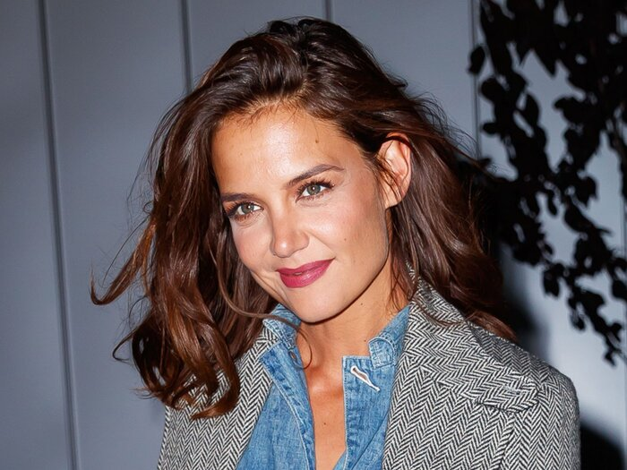 Katie Holmes Chops Off Her Hair Into A Pixie Cut Again Instyle