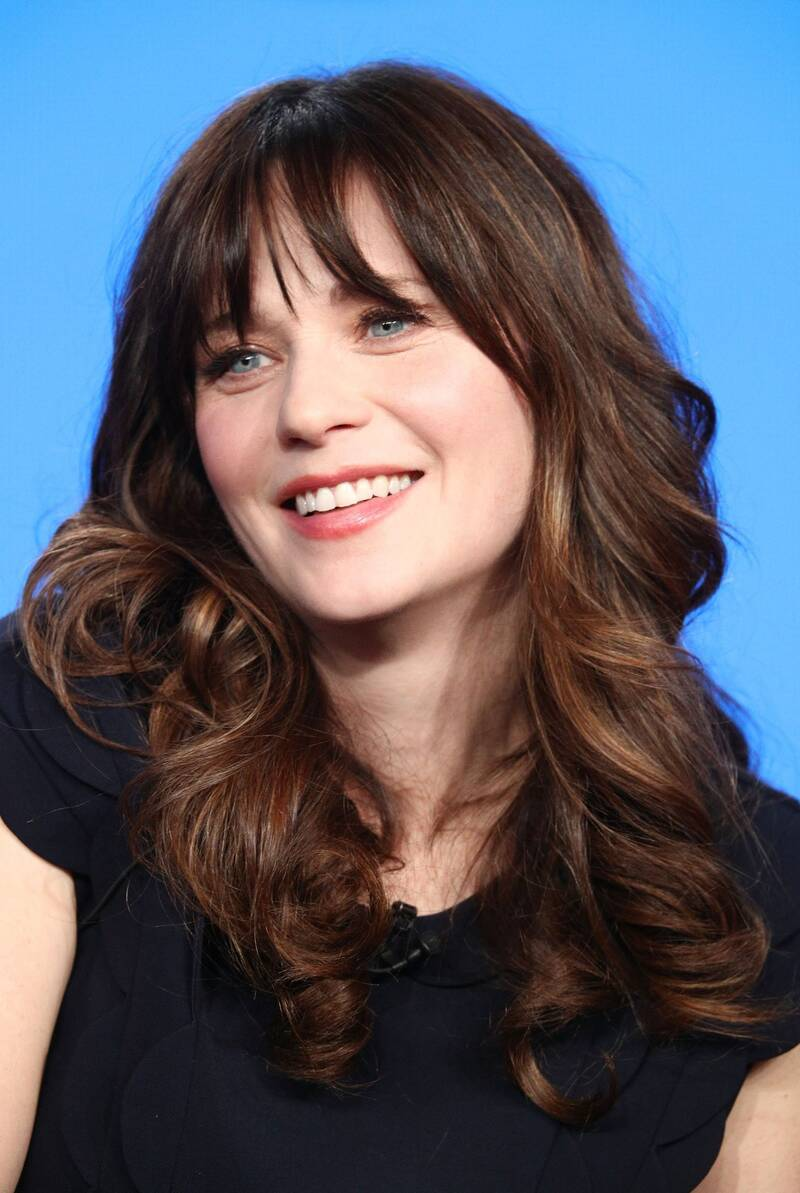 See Zooey Deschanel\'s Lob Haircut | InStyle.com