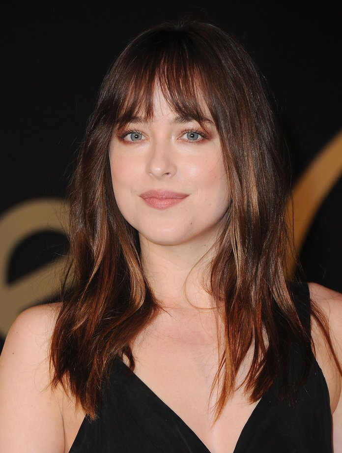 Growing Out Bangs Gracefully Is Doable Here S How Instyle Com