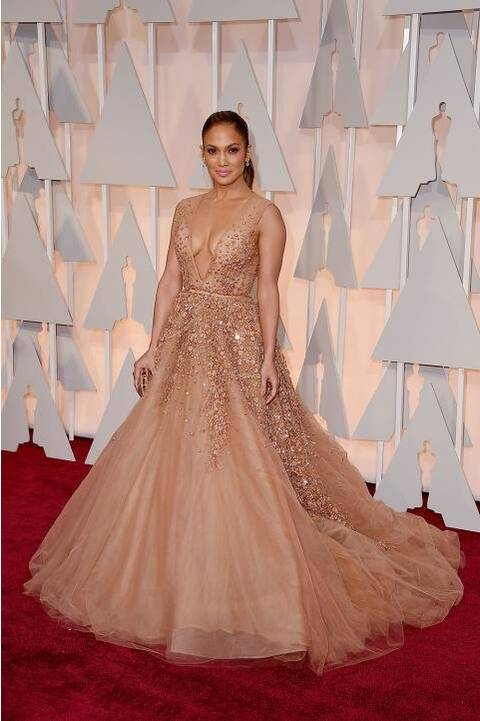Jennifer Lopez\'s 2015 Oscars Dress | InStyle.com