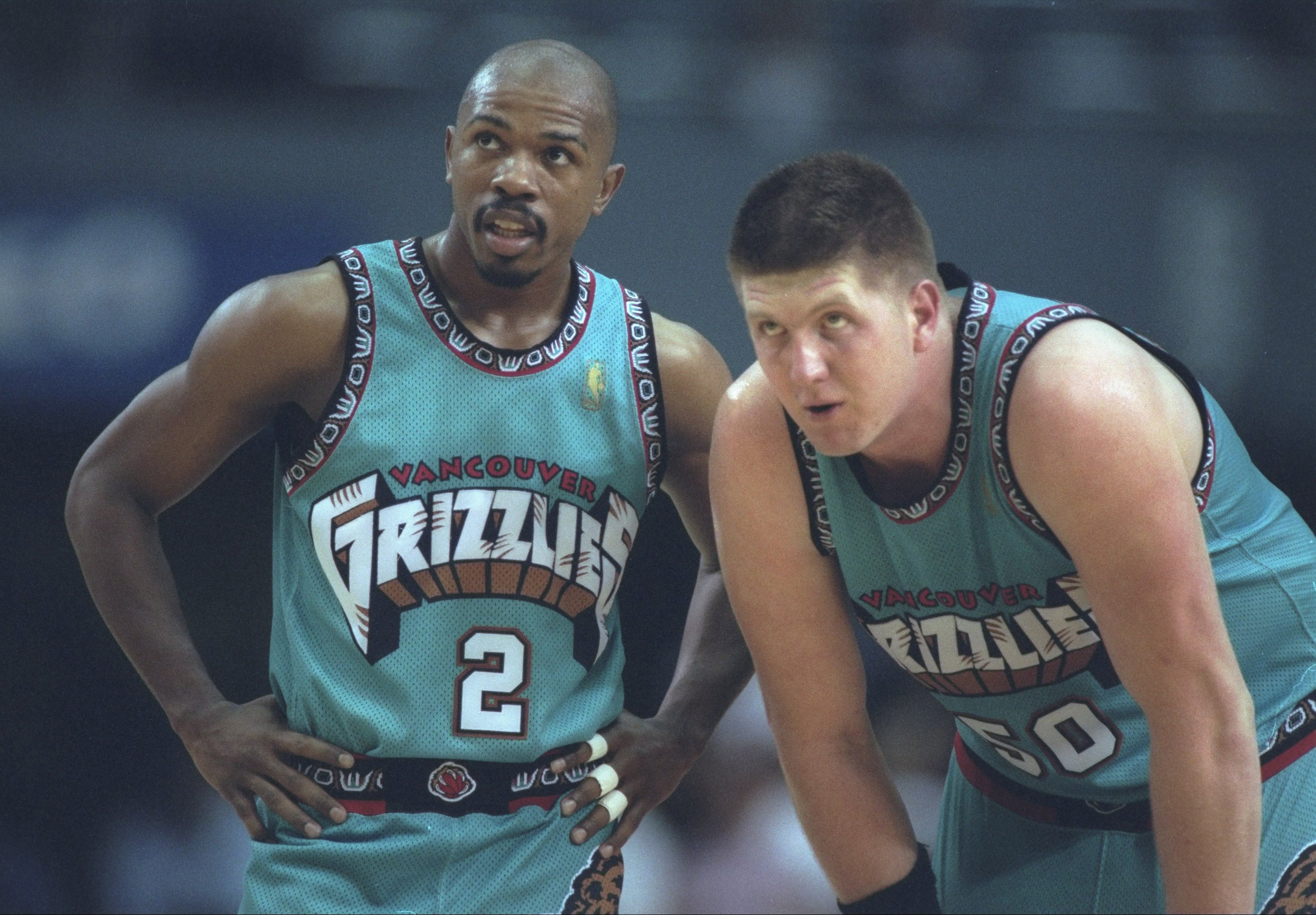 From the cartoon-like Grizzlies logo to whatever that pattern is around the edges, this Grizzlies jersey takes ugly to new heights. Having Bryant Reeves as one of the faces of the franchise during this era certainly didn't help to ease the pain.
