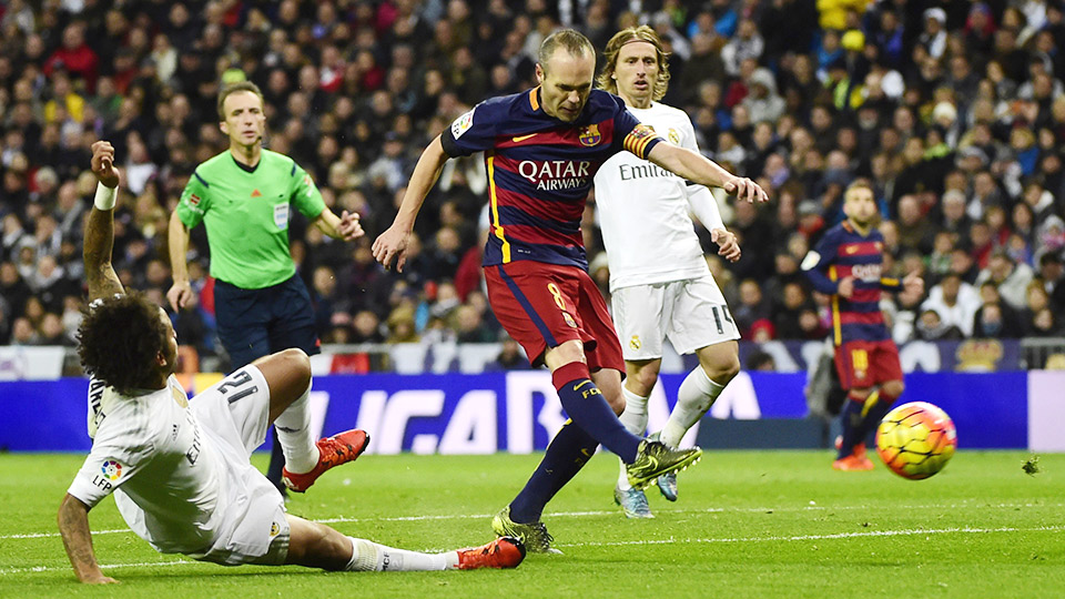 Iniesta vs Real