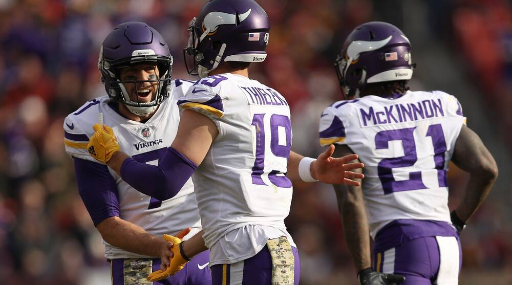 7a761f9b7 Case Keenum Show  Vikings Offense Explodes With Teddy Bridgewater Waiting  in Wings