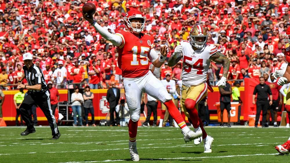 4e6125f6b Patrick Mahomes touchdown  Chiefs QB made same play in HS (VIDEO ...