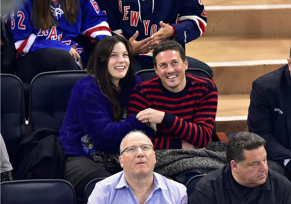 93ca08621 Celebrities at NHL Games (2014-15)