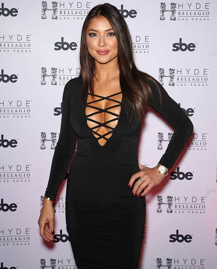 ¿Cuánto mide Arianny Celeste? - Real height Image?url=https%3A%2F%2Fcdn-s3.si.com%2Fs3fs-public%2Fimages%2FGettyImages-501173982