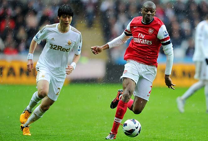arsenal s abou diaby out for 9 months with knee injury si com