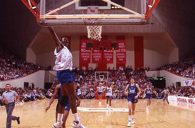 7920f0c5f7f6ff A pre-NBA (and pre-Nike) Michael Jordan stole the show in