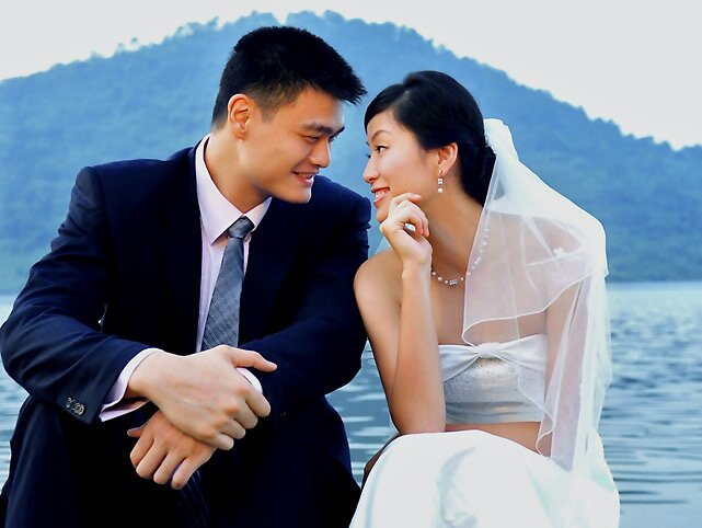Yao Ming with kind, Wife Ye Li