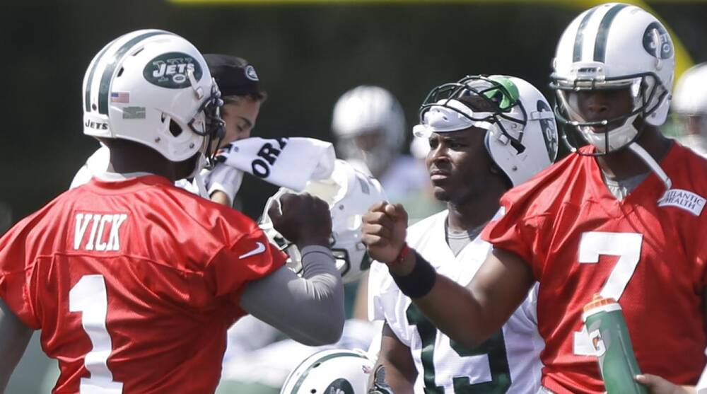 737adb83a88 Jets QB Geno Smith favors using Wildcat with Michael Vick | SI.com