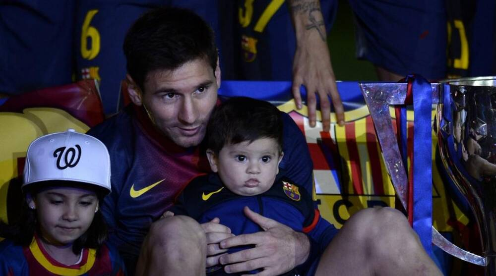 9a48eecb361 Barcelona F Lionel Messi s hometown bans parents from naming ...