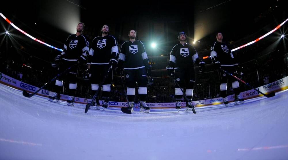 online retailer 749e9 0d2b6 Los Angeles Kings smash a light during pregame soccer warmup ...