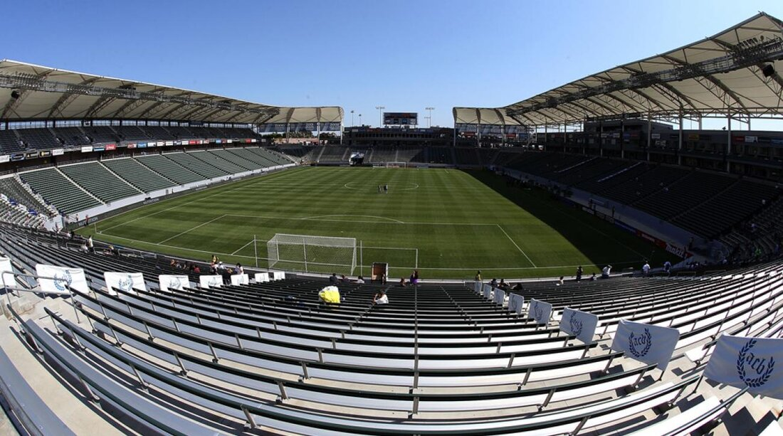 After Mls Cup Battle Complex Tug Of War Begins Off Field With Cba