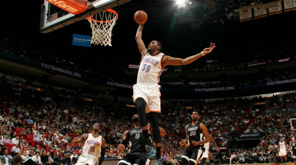 5664f4f7104a Video  Thunder F Kevin Durant dunks all over the Heat in win