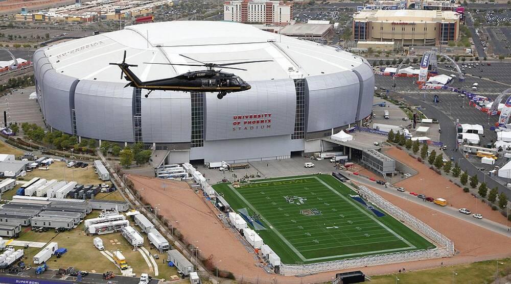 Super Bowl XLIX: University of Phoenix Stadium's retractable