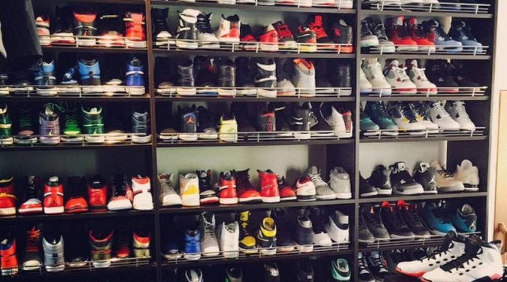 wholesale dealer 62738 ed56a Ray Allen shows off his Jordan collection in shoe closet