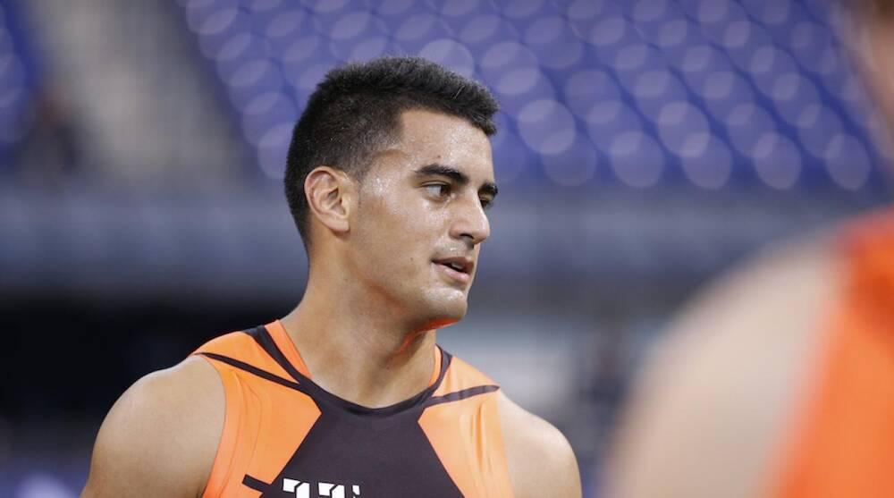 8752dae3a33 NFL draft 2015: Jets fan has Marcus Mariota custom jersey | SI.com