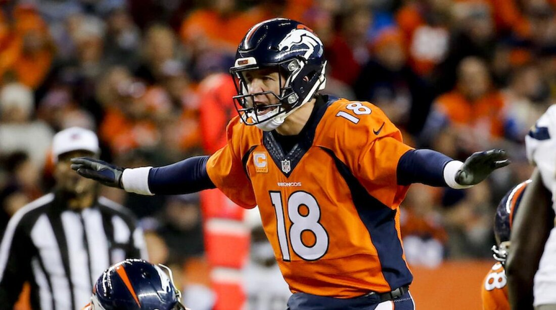 Denver broncos a look back at peyton mannings 2015 season si voltagebd Image collections