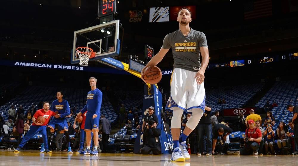90d784041609 Stephen Curry dribbling kid meets Warriors star  video