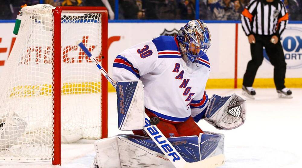 Rangers Lundqvist Sets Franchise Record For Most Career Saves Si Com
