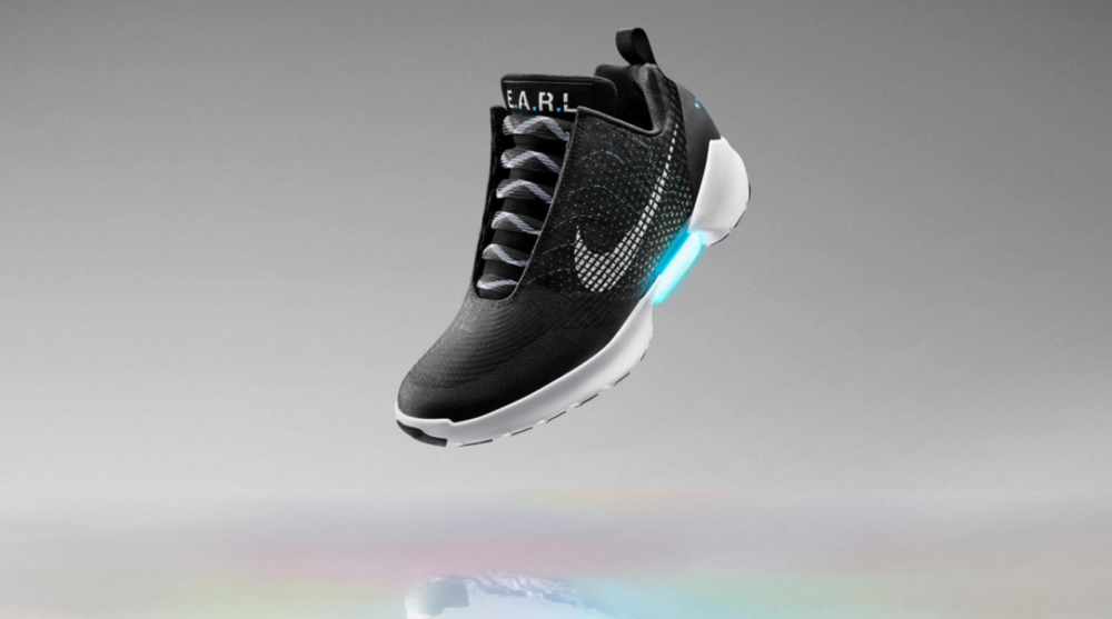 Nike HyperAdapt shoe features automatic lacing  793fd6af3f4d