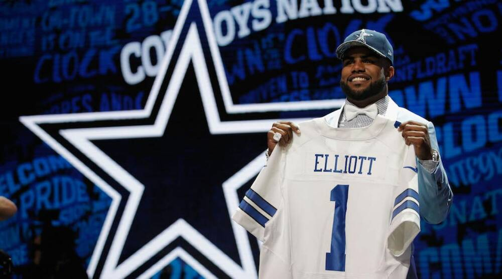 pretty nice 339fe 1d1af Ezekiel Elliott: Cowboys RB has best-selling NFL jersey | SI.com