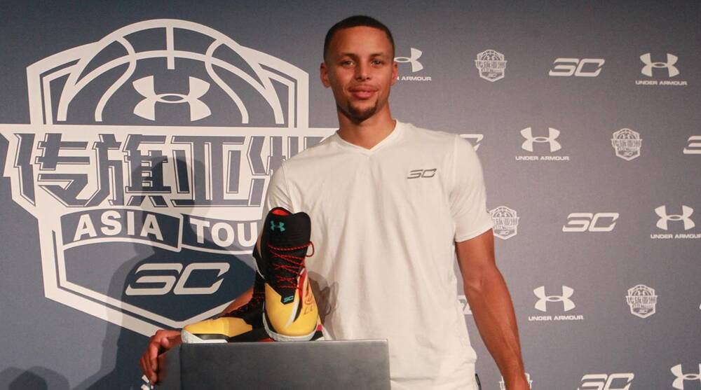 5f5d029ec25c LeBron James And Steph Curry Shine In Sneaker Superlatives