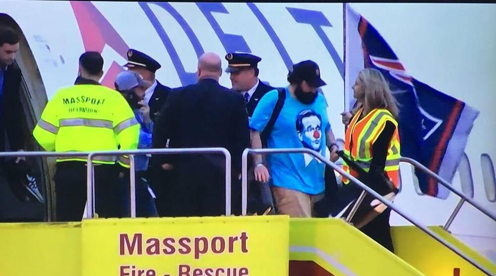 Matt Patricia wears Roger Goodell clown shirt (photos)  5fb275c50