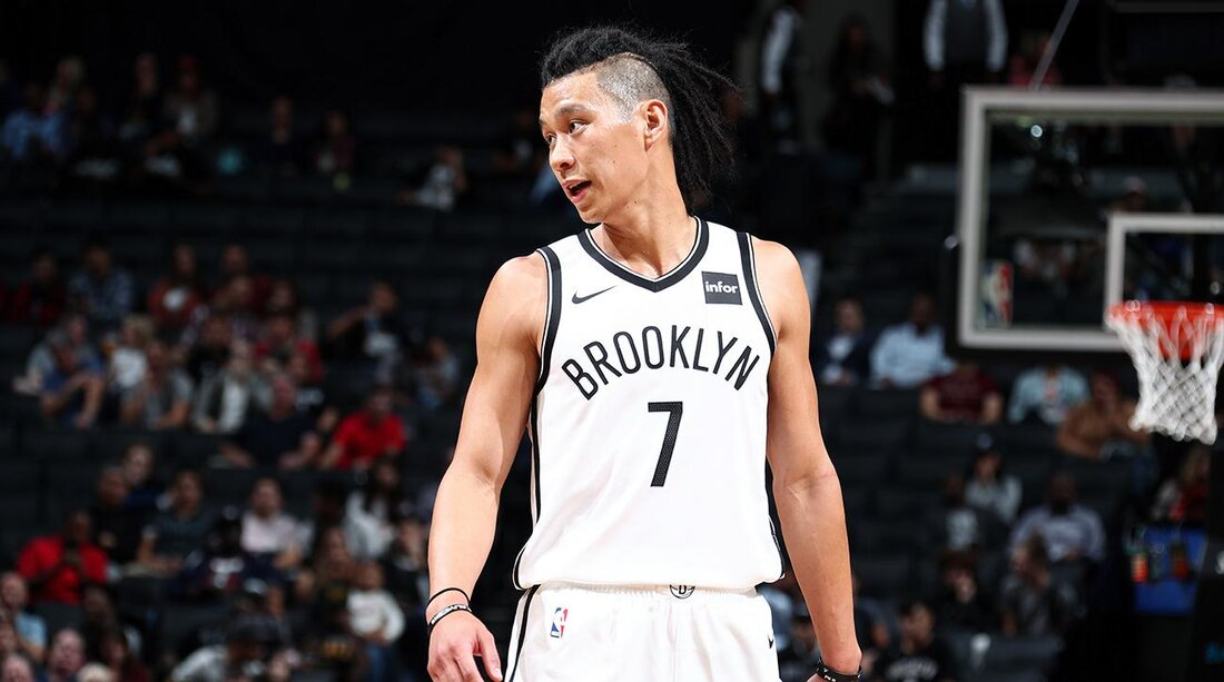 Kenyon martin jeremy lin coverage suggests need to take sides si nathaniel s butlergetty images m4hsunfo Choice Image