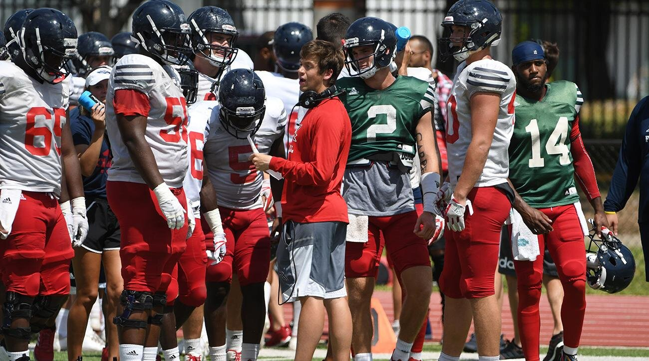 Charlie Weis Jr.: Lane Kiffin on Florida Atlantic's offensive coordinator