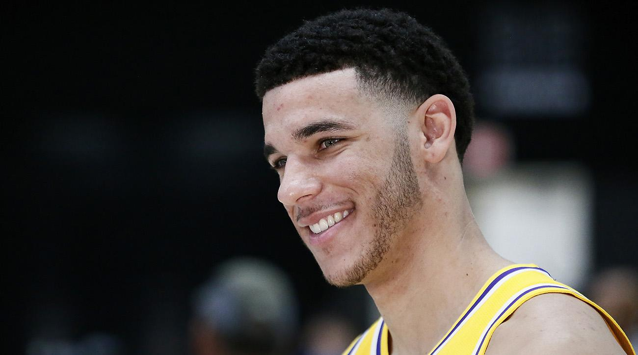 Lonzo Ball Unveils New Signature Sneaker Bbb Zo2 19 For 200 Si Com