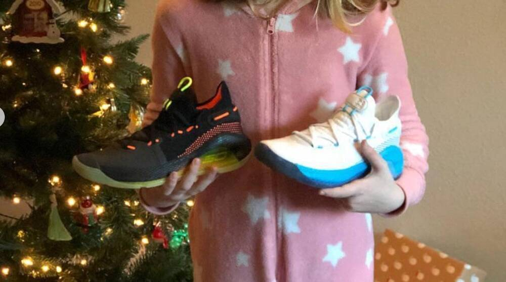 86c8125013d Steph Curry surprises girl who wrote letter with new Curry 6 s