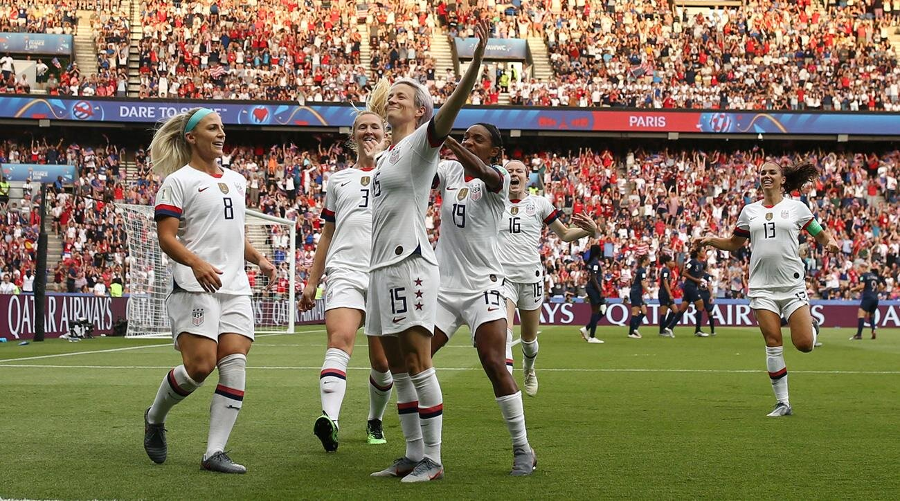 Megan Rapinoe scores for the USA vs. France at the Women's World Cup
