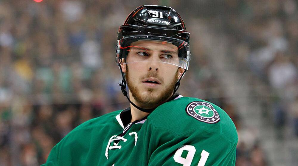 Tyler Seguin Shooting to be a Star  Sports Illustrated feature  a1bca247a