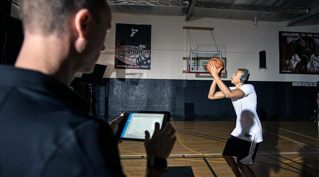 Dexcom G4 Monitors Blood Sugar In Diabeticsand Could Aid Athletes