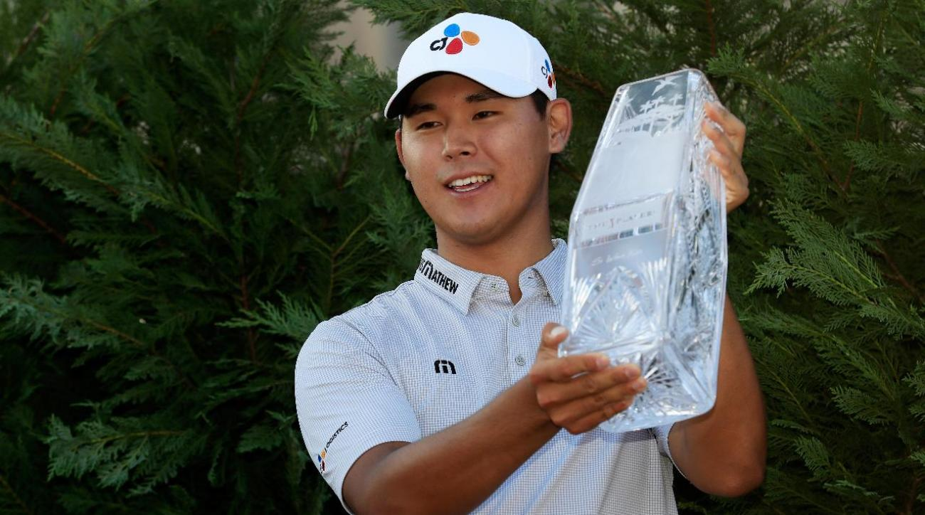 Defending champion Si Woo Kim