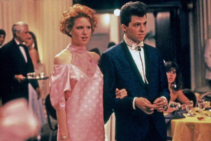 """Molly Ringwald actually hated her prom dress in """"Pretty in Pink ..."""