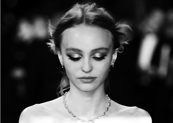 Lily-Rose Depp\'s sleek prom dress is giving us all the #PromGoals ...