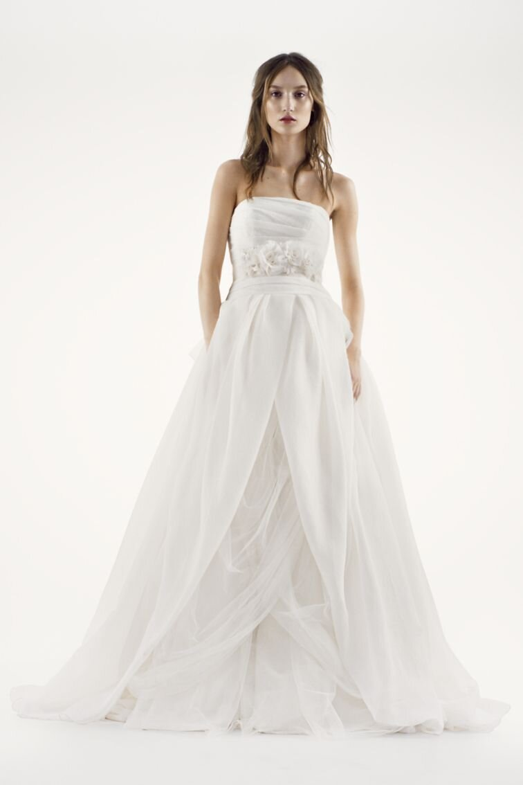 The #1 best-selling wedding dress at David\'s Bridal is a flowy dream ...