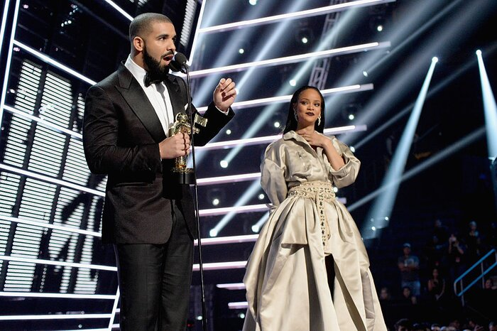 Youre Not Alone If You Thought Drake Was Going To Propose To