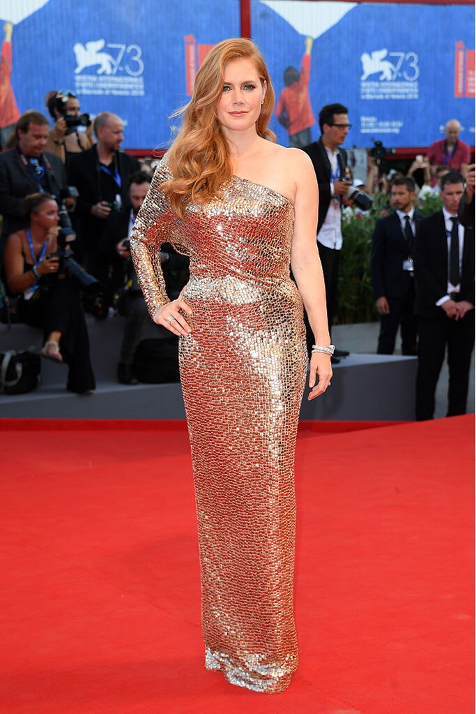 Amy Adams Looked Like A Modern Day Jessica Rabbit In This Glam Af