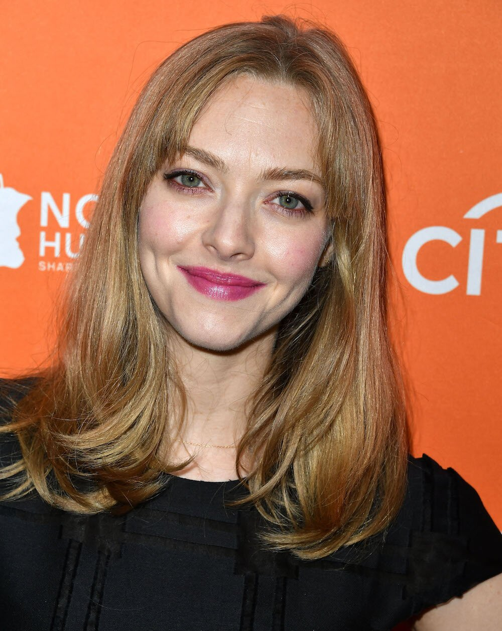 Amanda Seyfried Now Has The Bangs Youll Want To Get This Fall