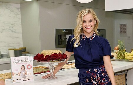 Reese Witherspoon Looked Like A Cute Cake Topper At The Sprinkles