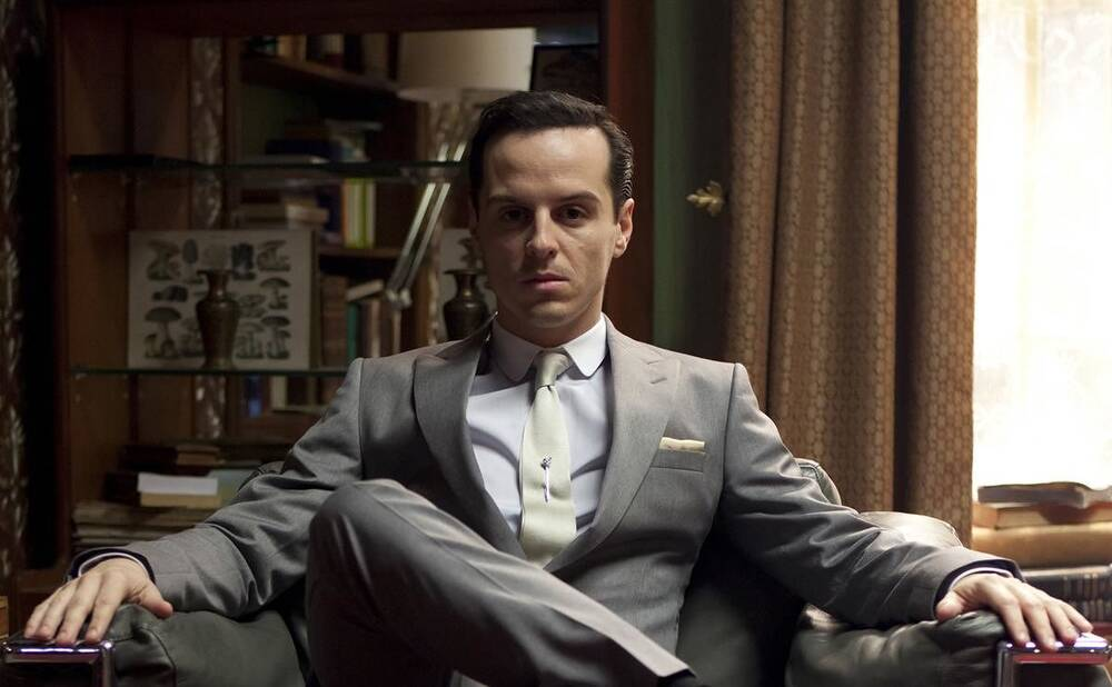 5 reasons there s no way moriarty is dead on sherlock hellogiggles
