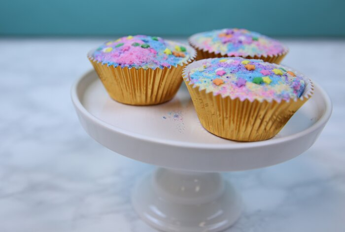 These diy cupcake bath bombs are the stuff of unicorn dreams these diy cupcake bath bombs are the stuff of unicorn dreams solutioingenieria Gallery