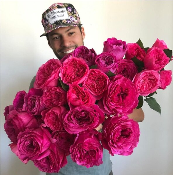 This man\'s gorgeous photos of giant bouquets are taking over ...
