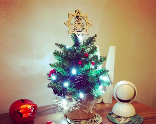 9 Christmas decorations for a small apartment - HelloGiggles
